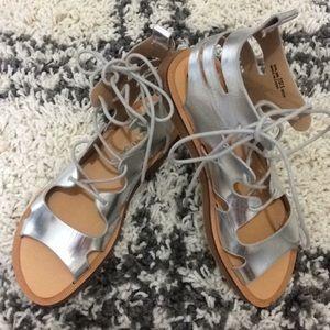 Chinese Laundry Women's silver metallic sandals